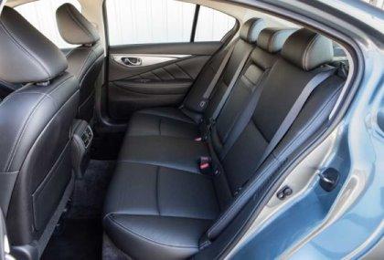 Infiniti Q50 Hybrid rear interior