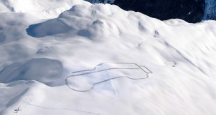 Land Rover snow art