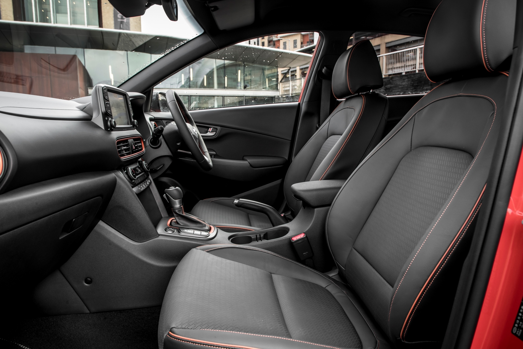 hyundai kona review automotive blog. Black Bedroom Furniture Sets. Home Design Ideas