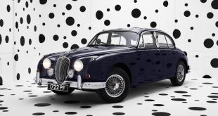 Jaguar celebrates 60th Anniversary of legendary Mk2 sports saloon with unique Rankin photograph