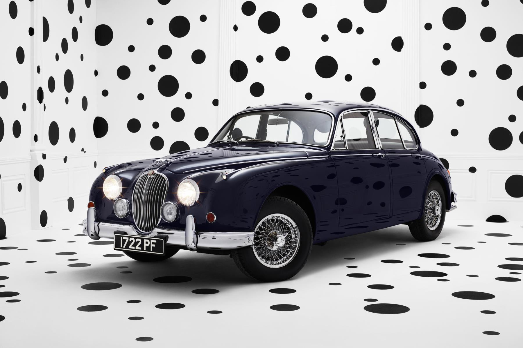 Jaguar celebrates 60th Anniversary of legendary Mk2 sports saloon with unique Rankin photograph