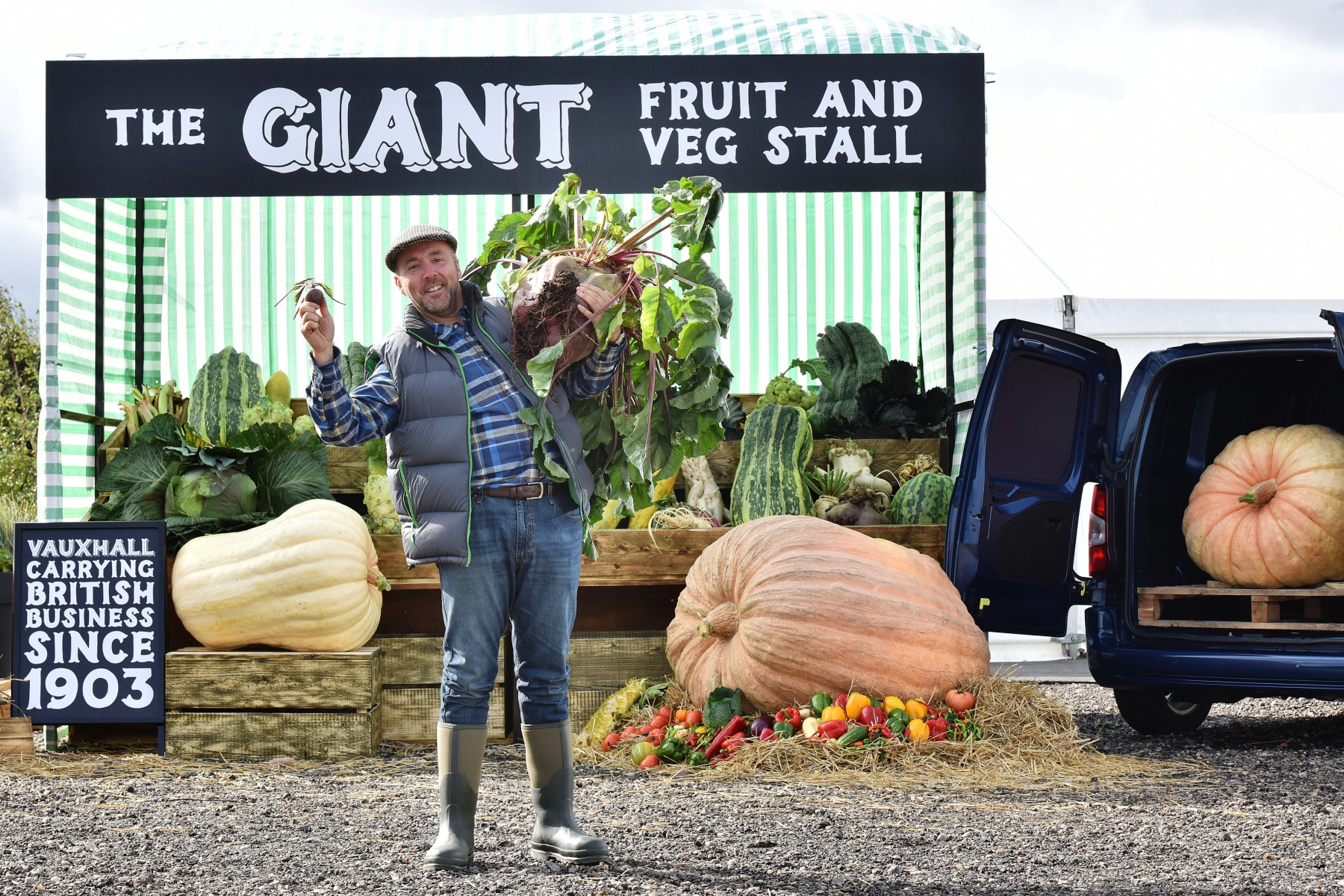 Vauxhall helps create giant fruit and veg stall