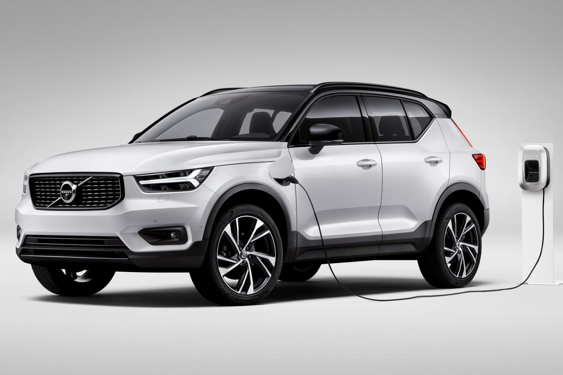 Volvo entices British car buyers with free electricity offer