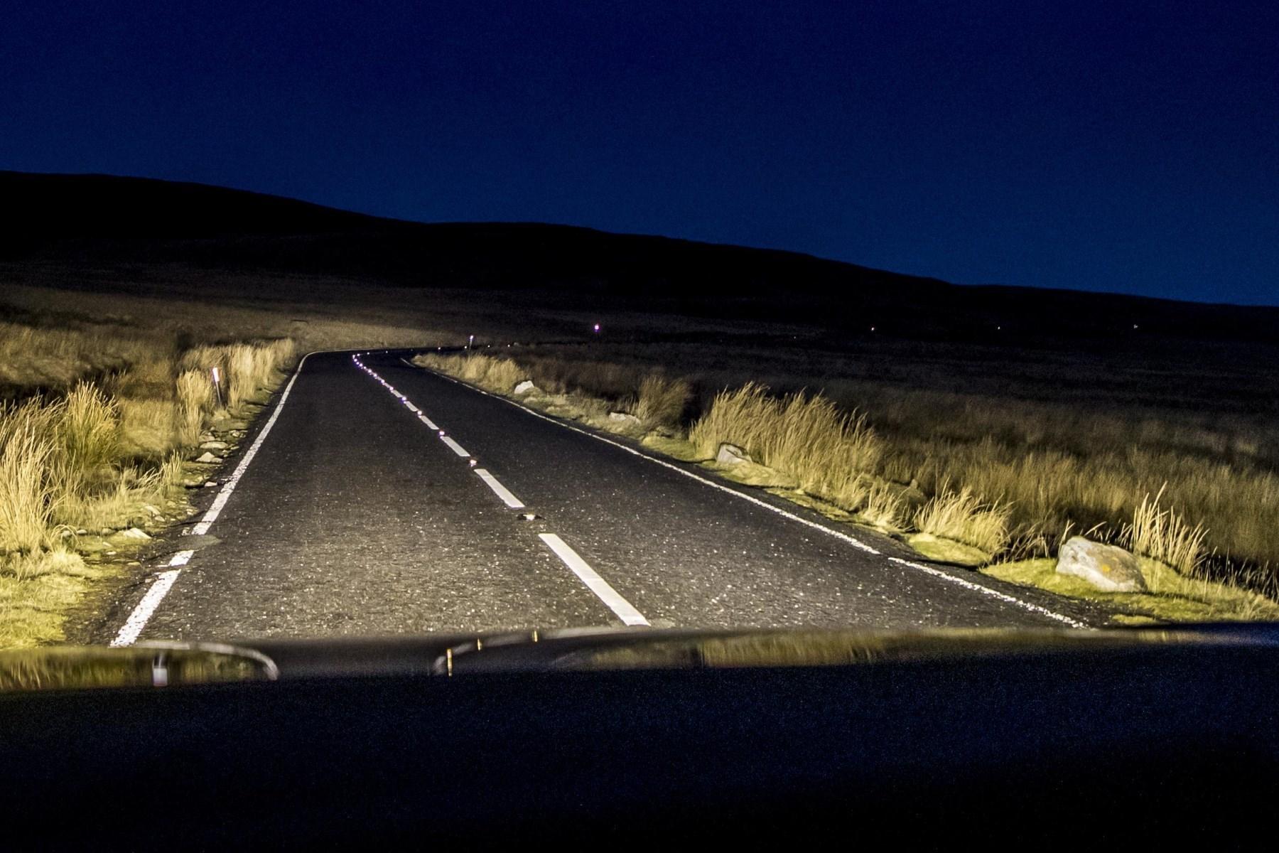 VW Touareg_Black_Edition_night vision.jpg (2)