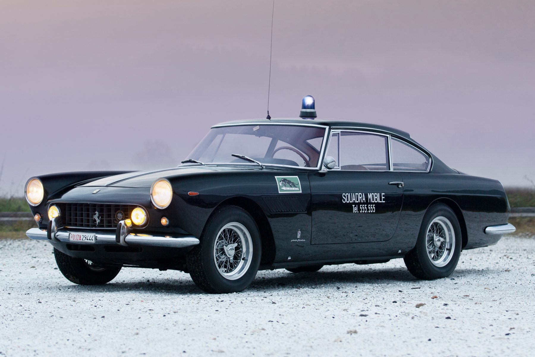 1962 Ferrari 250 GTE Polizia par Tom Gidden pour Girardo and Co
