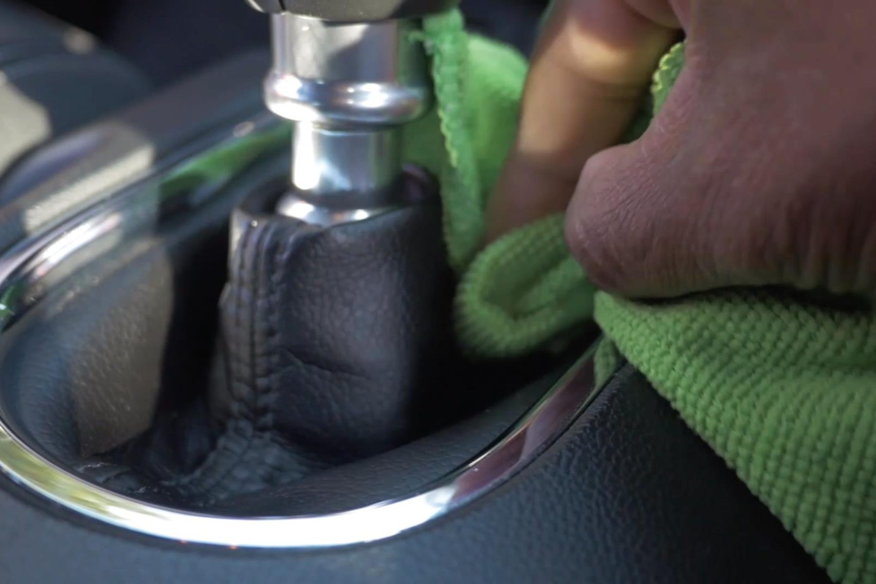 Cleaning gearstick