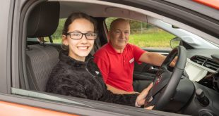 Young-Driver-driving-lesson