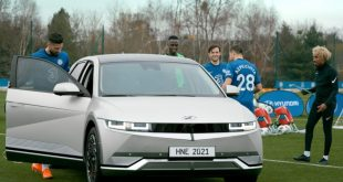 Chelsea stars train with the new Hyundai IONIQ 5