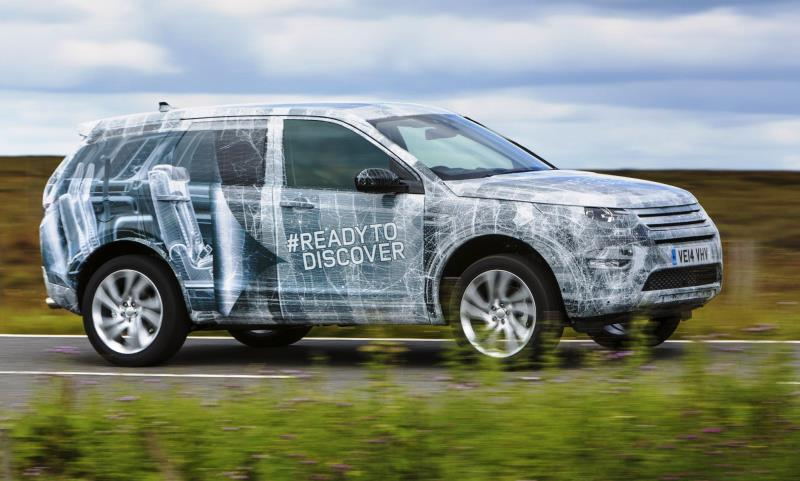 2015 Land Rover Discovery Sport - in camouflage