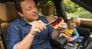 Jamie Oliver and son Buddy in a Land Rover Discovery
