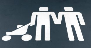 parent child car parking bay - Volvo