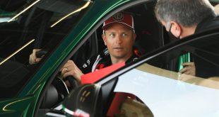 Kimi Räikkönen test drives the new Alfa Romeo Giulia GTA (1)